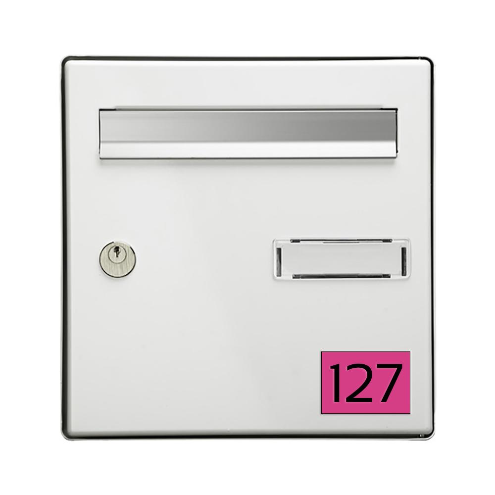 Numéro pour boite aux lettres personnalisable rectangle format médium (70x50mm) rose chiffres noirs