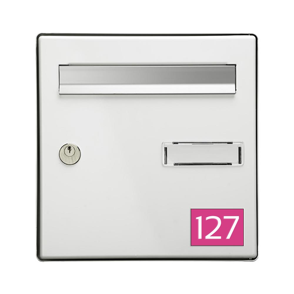 Numéro pour boite aux lettres personnalisable rectangle format médium (70x50mm) rose chiffres blanc
