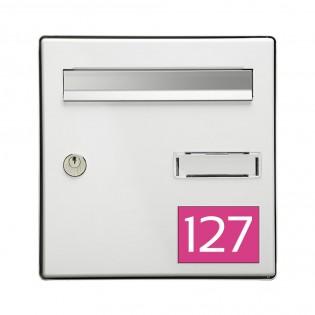 Numéro pour boite aux lettres personnalisable rectangle grand format (100x70mm) rose chiffres blancs