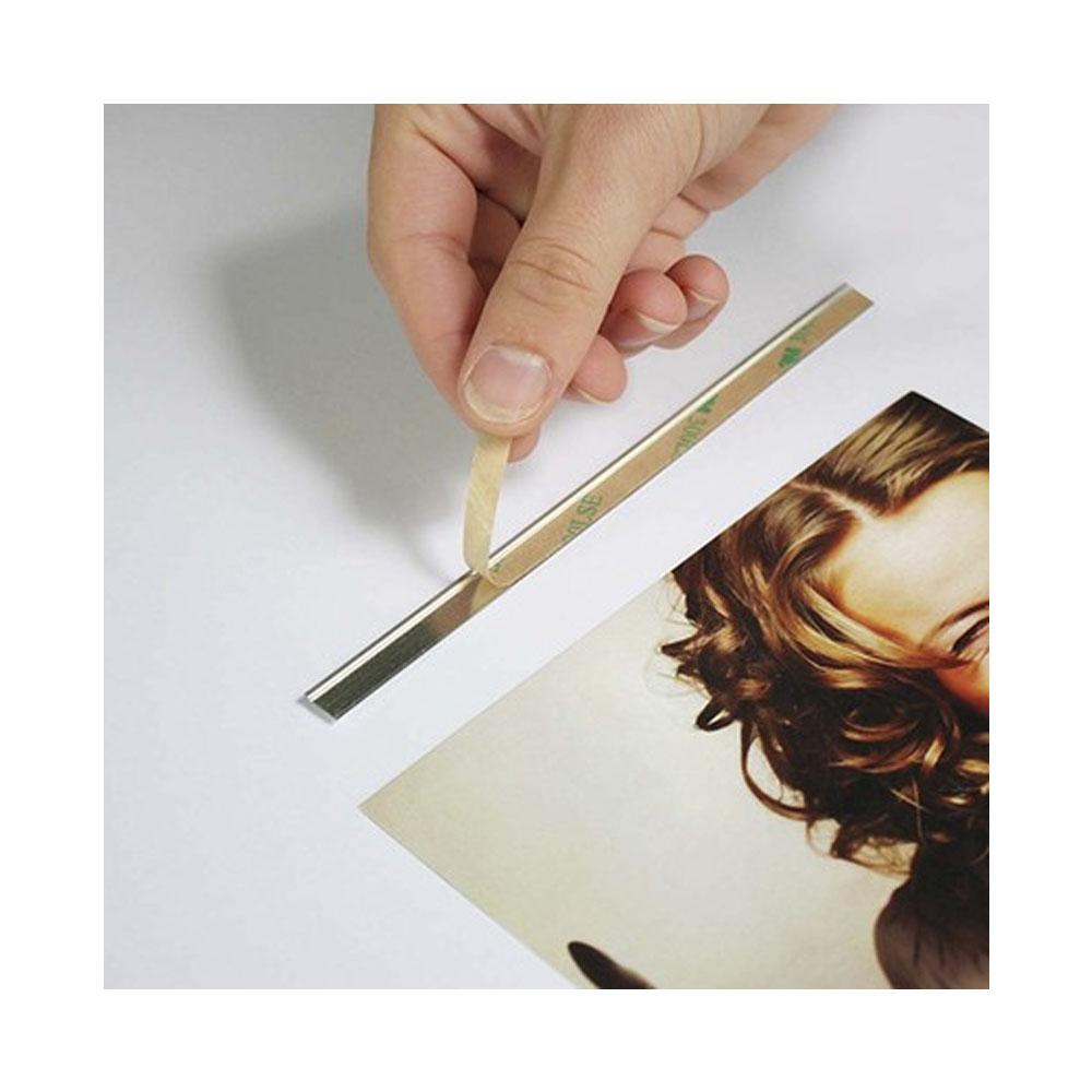 Baguette adhésive Z-tick aimantée pour porte affiche en bois magnétique