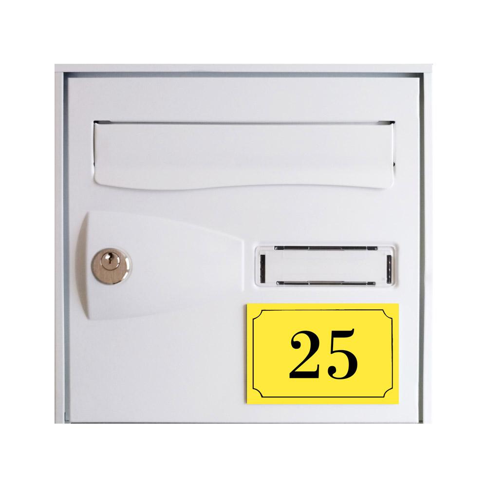 Numéro de maison / rue gravé et personnalisé couleur jaune chiffres noirs - Signalétique extérieure