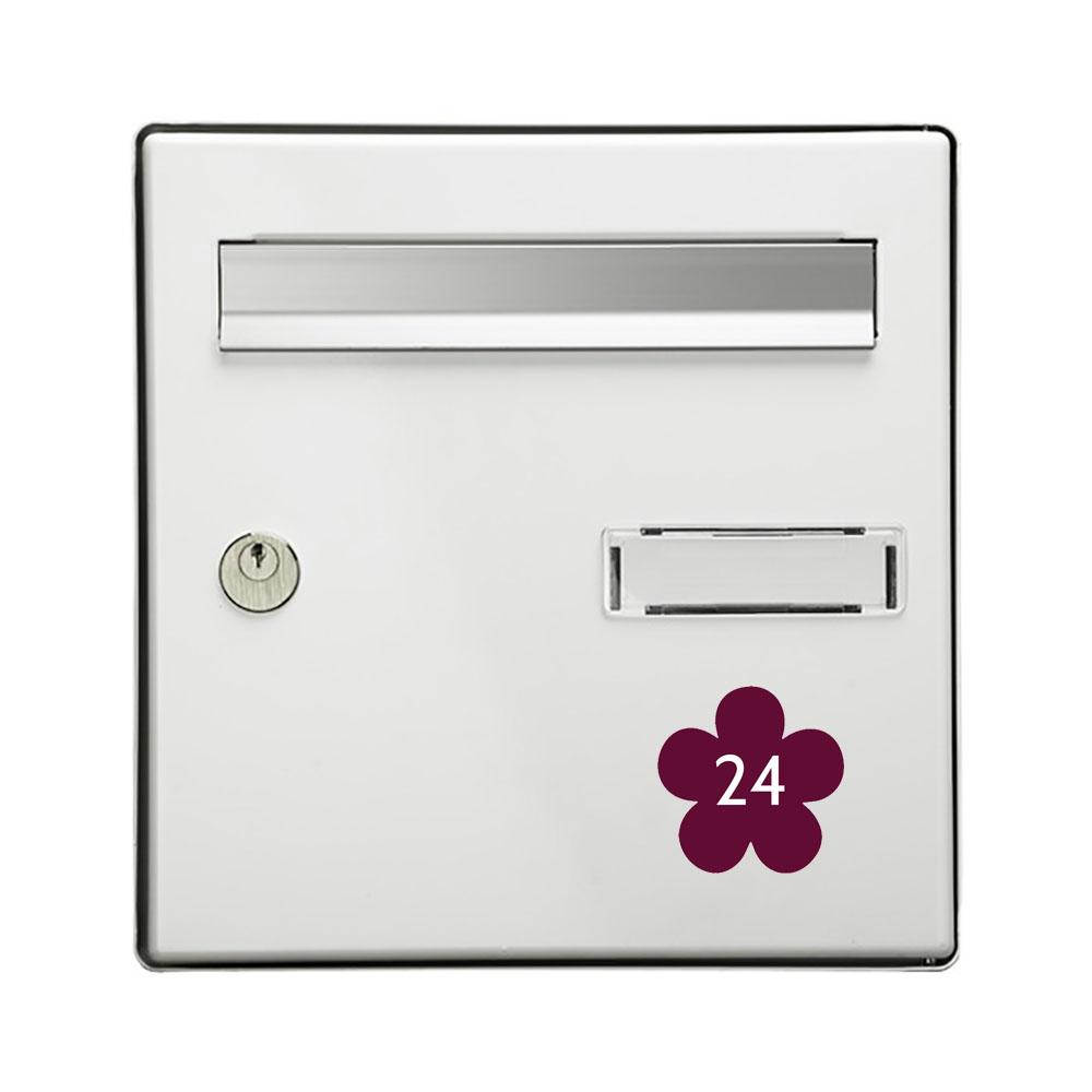 Numéro fantaisie personnalisable pour boite aux lettres couleur bordeaux chiffres blancs - Modèle Fleur