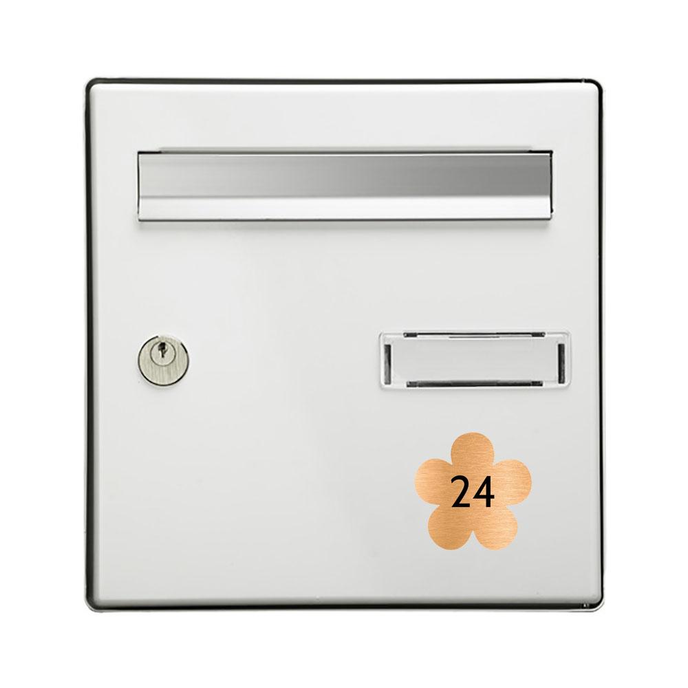 Numéro fantaisie personnalisable pour boite aux lettres couleur cuivre chiffres noirs - Modèle Fleur