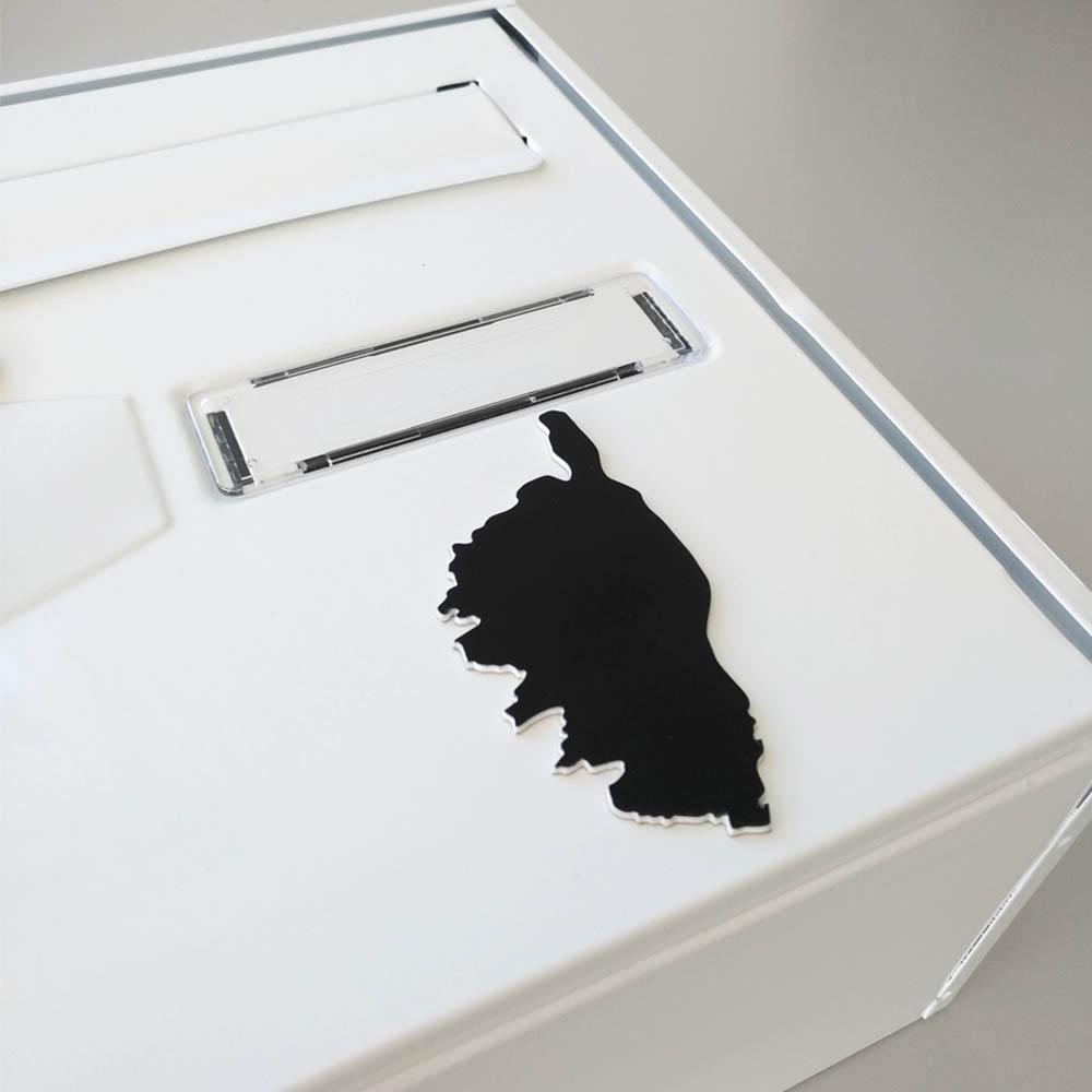 Numéro fantaisie personnalisable pour boite aux lettres couleur rouge chiffres noirs - Modèle région Corse