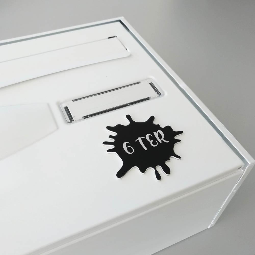 Numéro fantaisie personnalisable pour boite aux lettres couleur argent brossé chiffres noirs - Modèle Splash