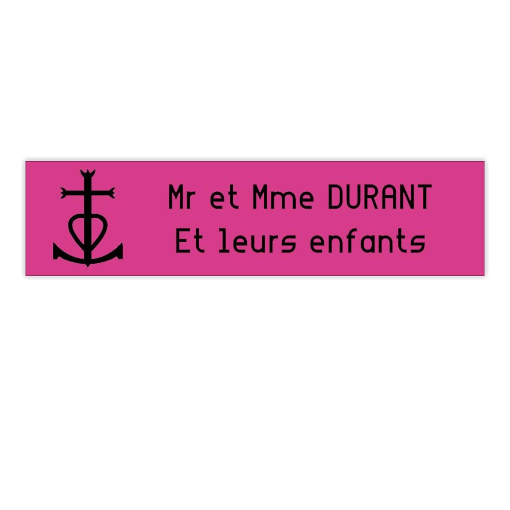 Plaque boite aux lettres Decayeux CROIX CAMARGUAISE (100x25mm) rose lettres noires - 2 lignes