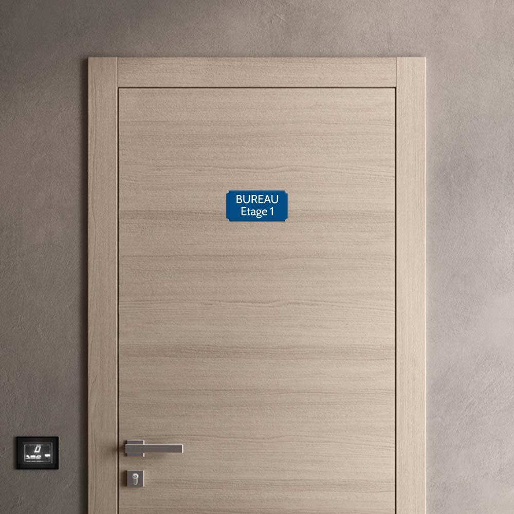 Plaque de porte gravée sur 1 à 2 lignes couleur bleue lettres blanches - Format rectangle classique 100 x 200 mm