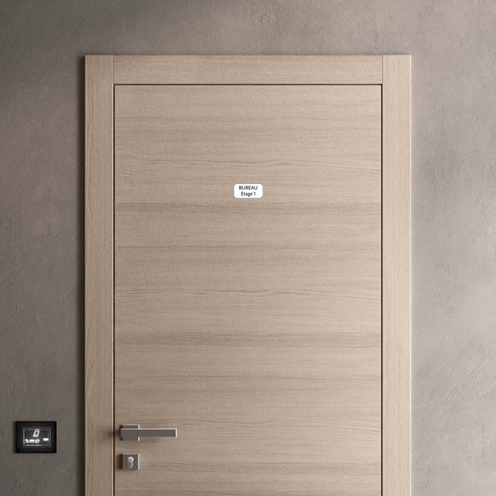 Plaque de porte gravée sur 1 à 2 lignes couleur blanche lettres noires - Format rectangle classique 50 x 100 mm