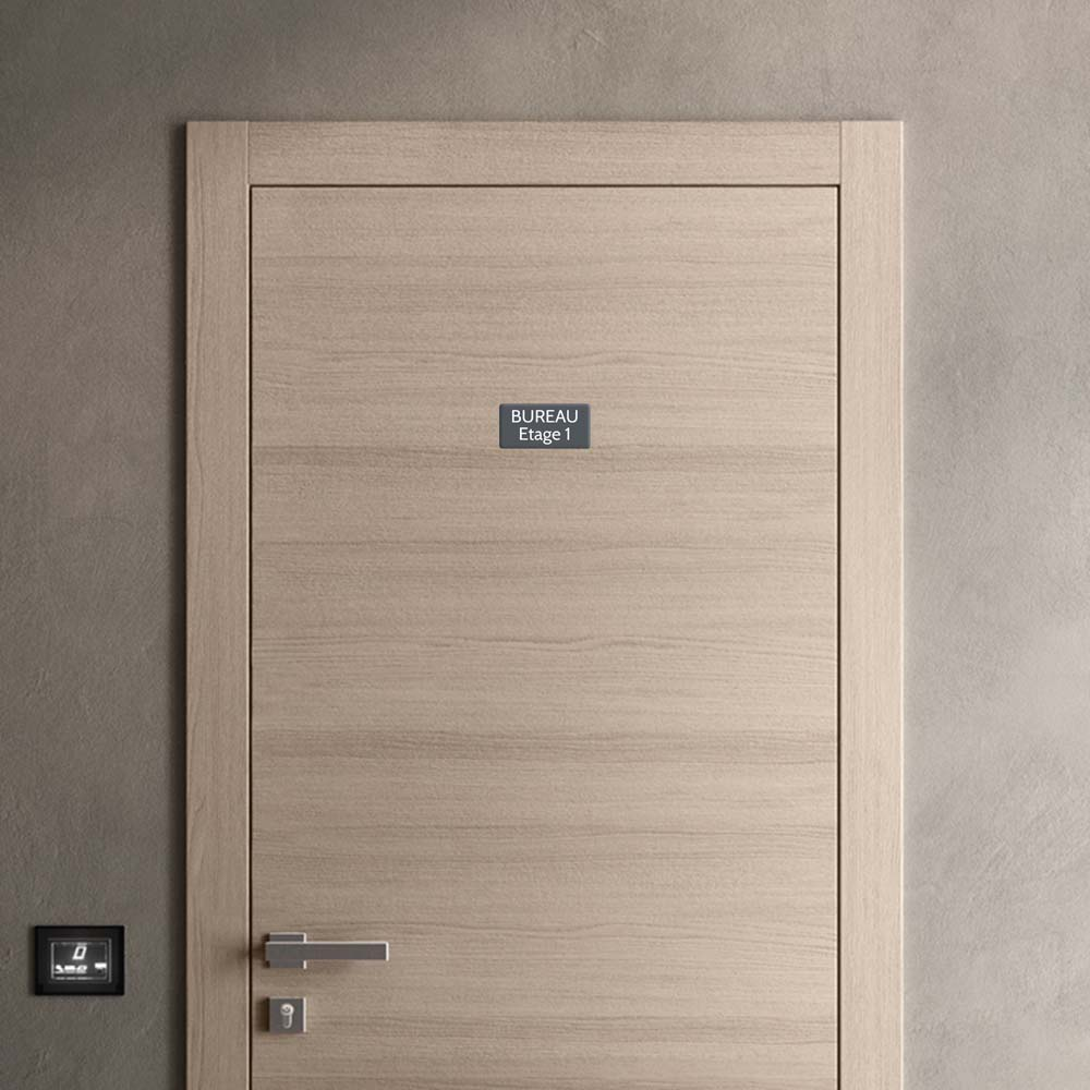 Plaque de porte gravée sur 1 à 2 lignes couleur grise lettres blanches - Rectangle angles arrondis 75 x 150 mm