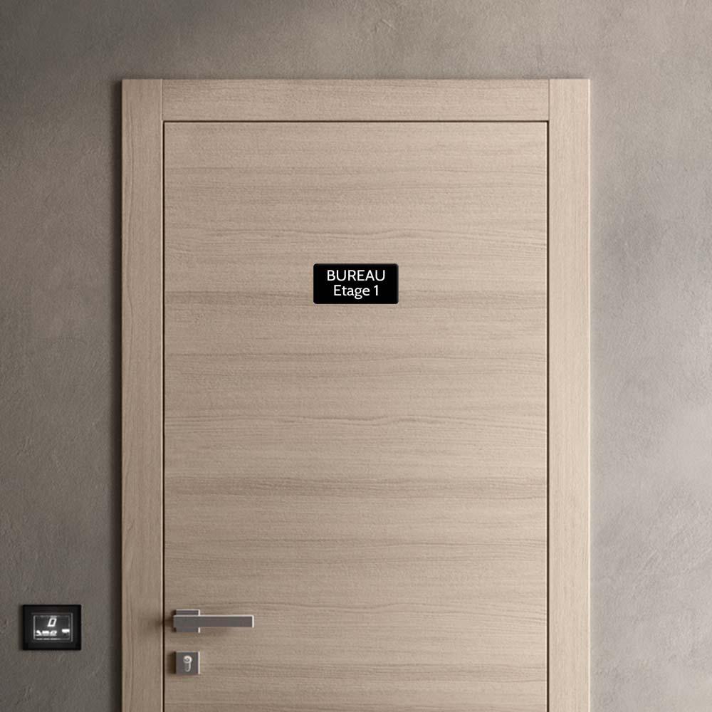 Plaque de porte gravée sur 1 à 2 lignes couleur noire lettres blanches - Rectangle angles arrondis 100 x 200 mm
