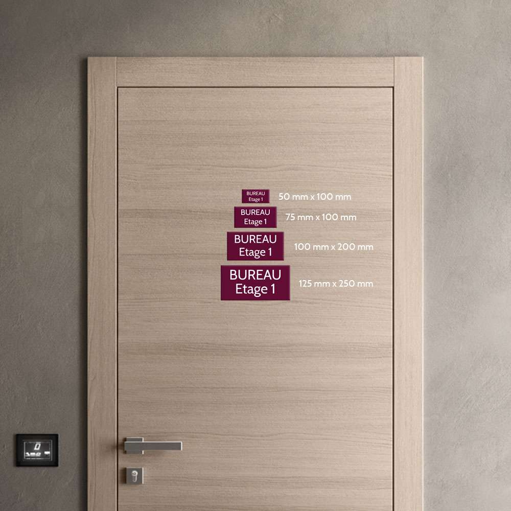 Plaque de porte gravée sur 1 à 2 lignes effet bois clair lettres noires - Format rectangle 100 x 200 mm