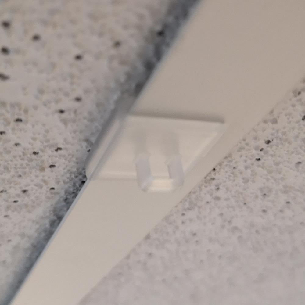 Clip crochet faux plafond perpendiculaire