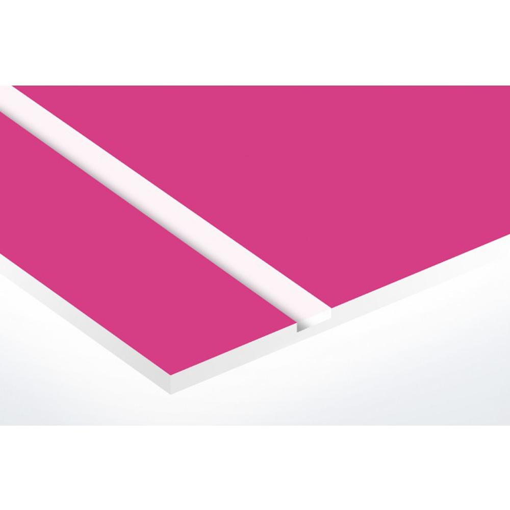 Plaque adhésive interphone ou sonnette 60 mm x 15 mm gravure personnalisée sur 2 lignes couleur rose lettres blanches