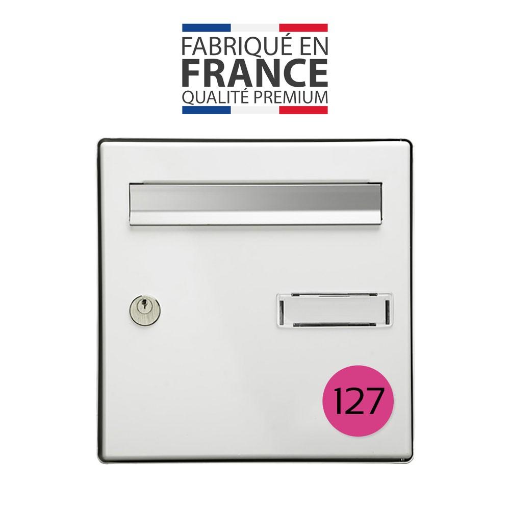 Numéro pour boite aux lettres personnalisable format rond diamètre 60 mm couleur rose chiffres noirs
