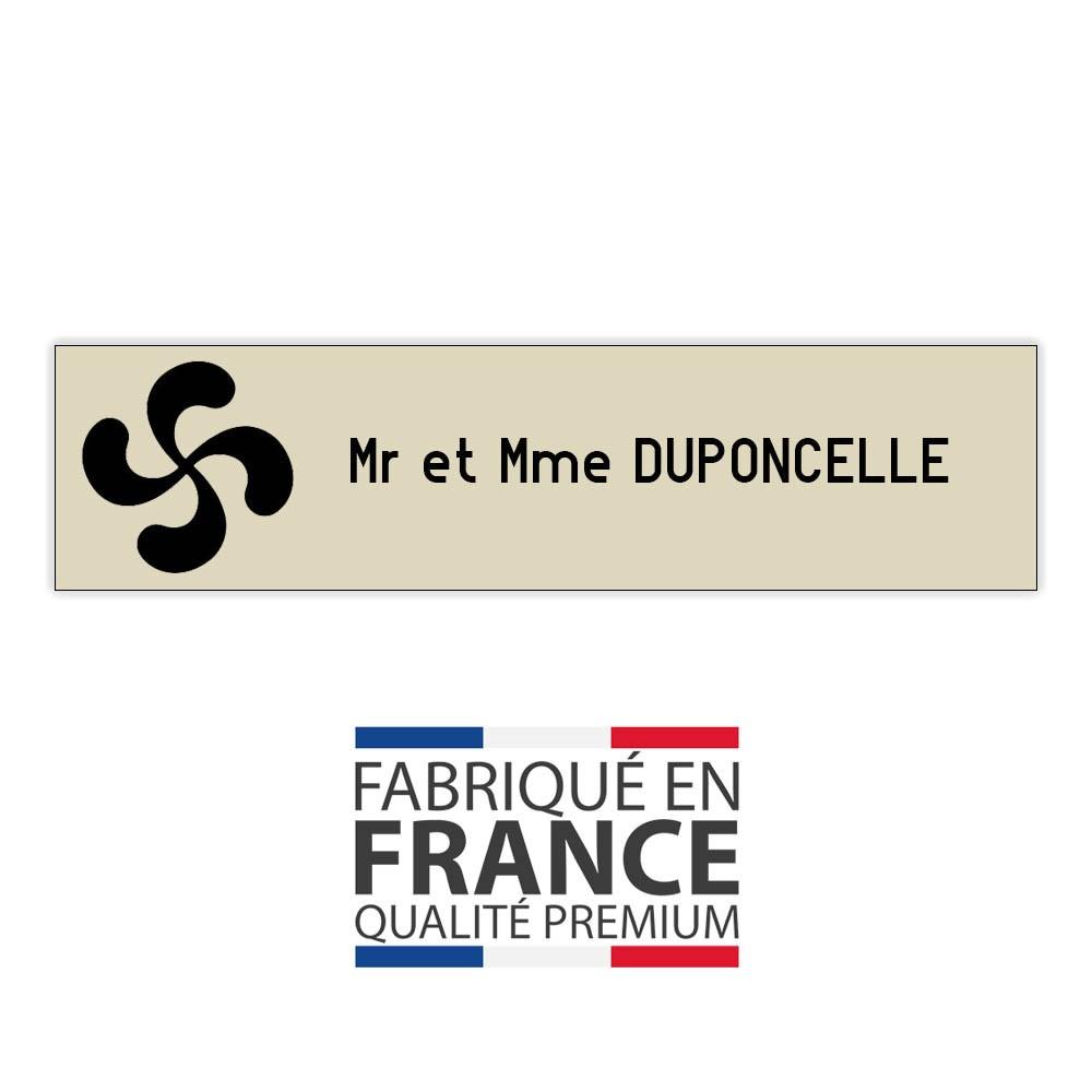 Plaque boite aux lettres format Decayeux CROIX BASQUE (100x25mm) beige lettres noires - 1 ligne