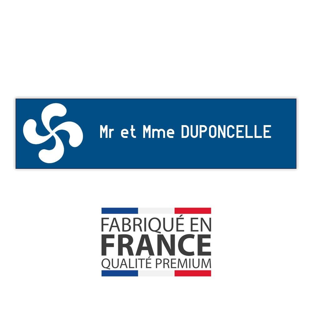 Plaque boite aux lettres format Decayeux CROIX BASQUE (100x25mm) bleue lettres blanches - 1 ligne