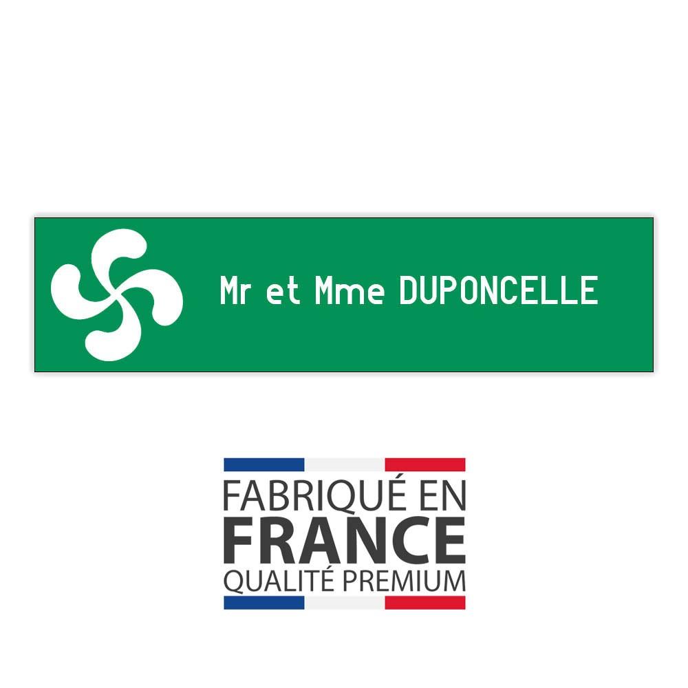 Plaque boite aux lettres format Decayeux CROIX BASQUE (100x25mm) vert pomme lettres blanches - 1 ligne