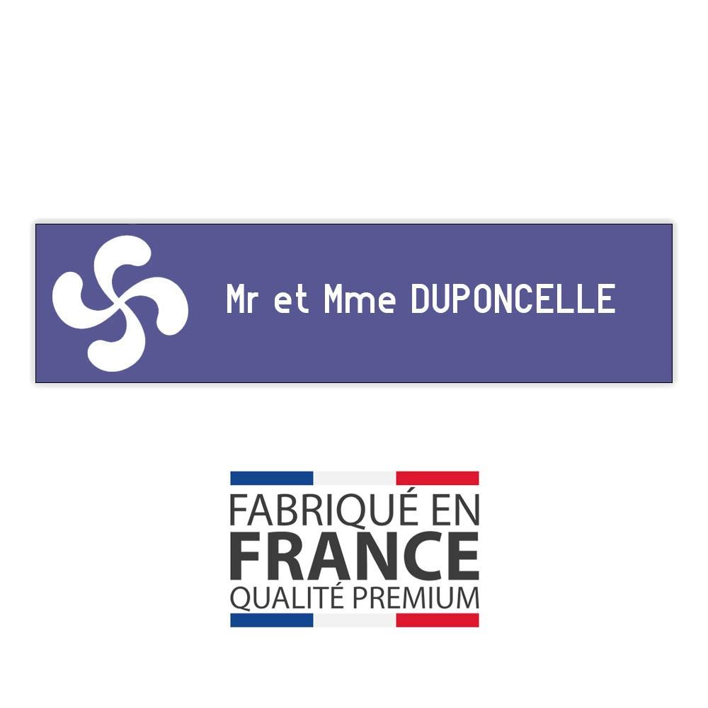 Plaque boite aux lettres format Decayeux CROIX BASQUE (100x25mm) violette lettres blanches - 1 ligne