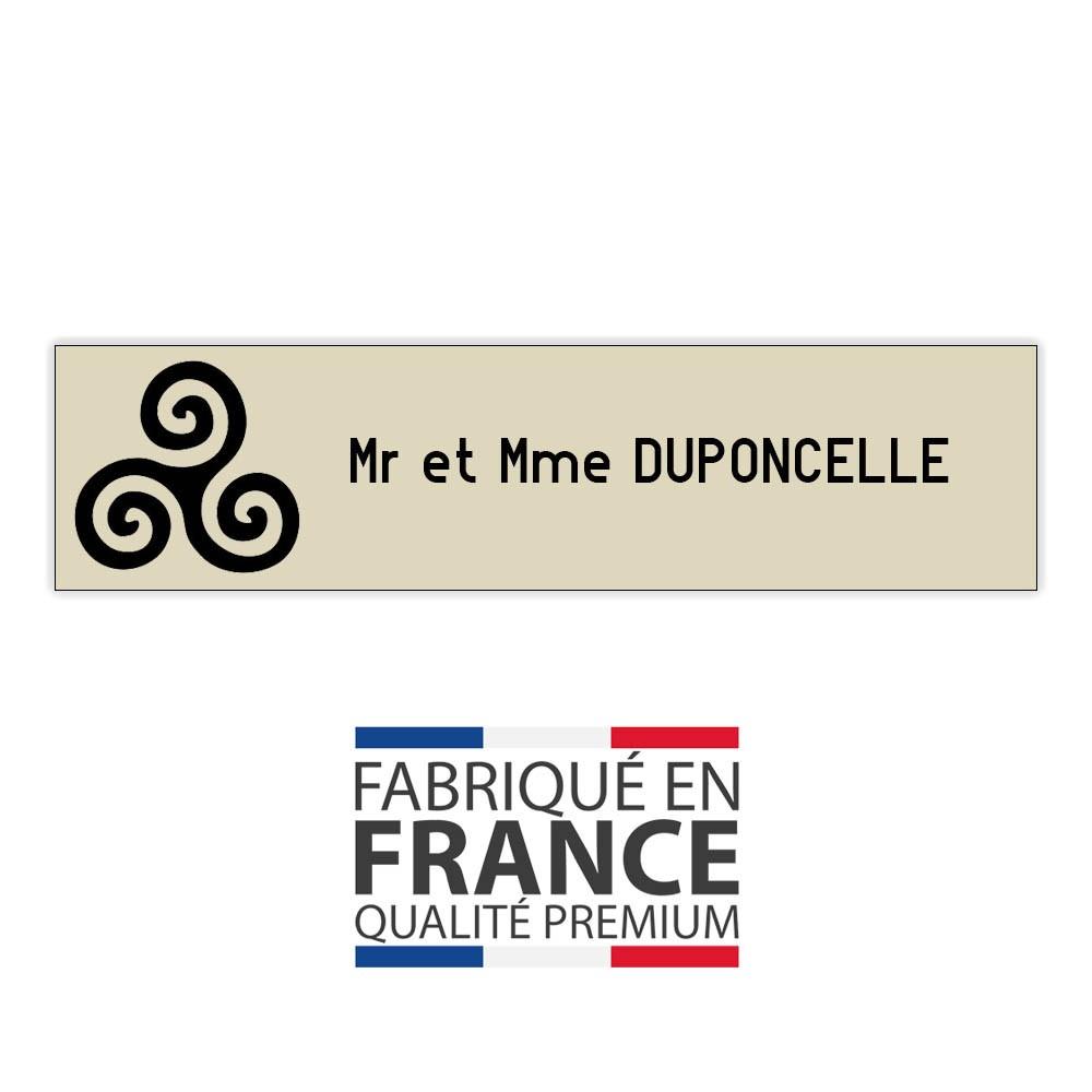 Plaque boite aux lettres format Decayeux TRISKELL (100x25mm) beige lettres noires - 1 ligne