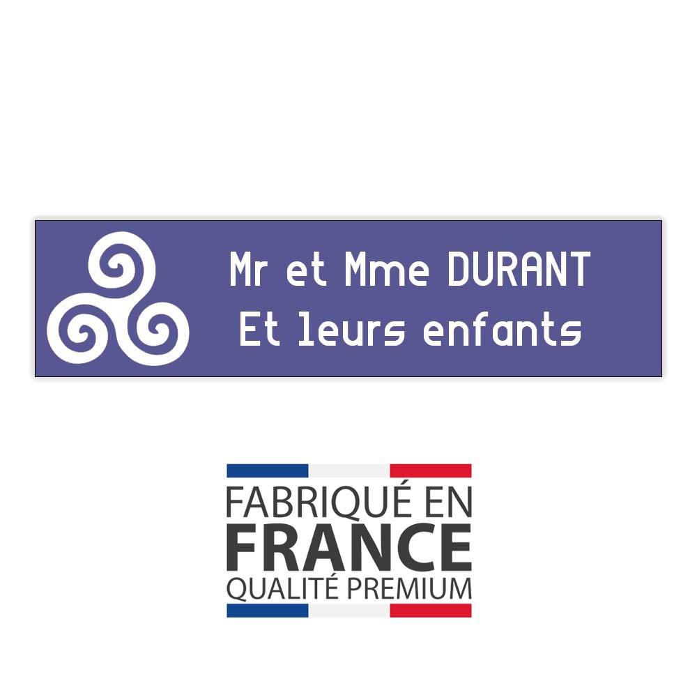 Plaque boite aux lettres format Decayeux TRISKELL (100x25mm) violette lettres blanches - 2 lignes