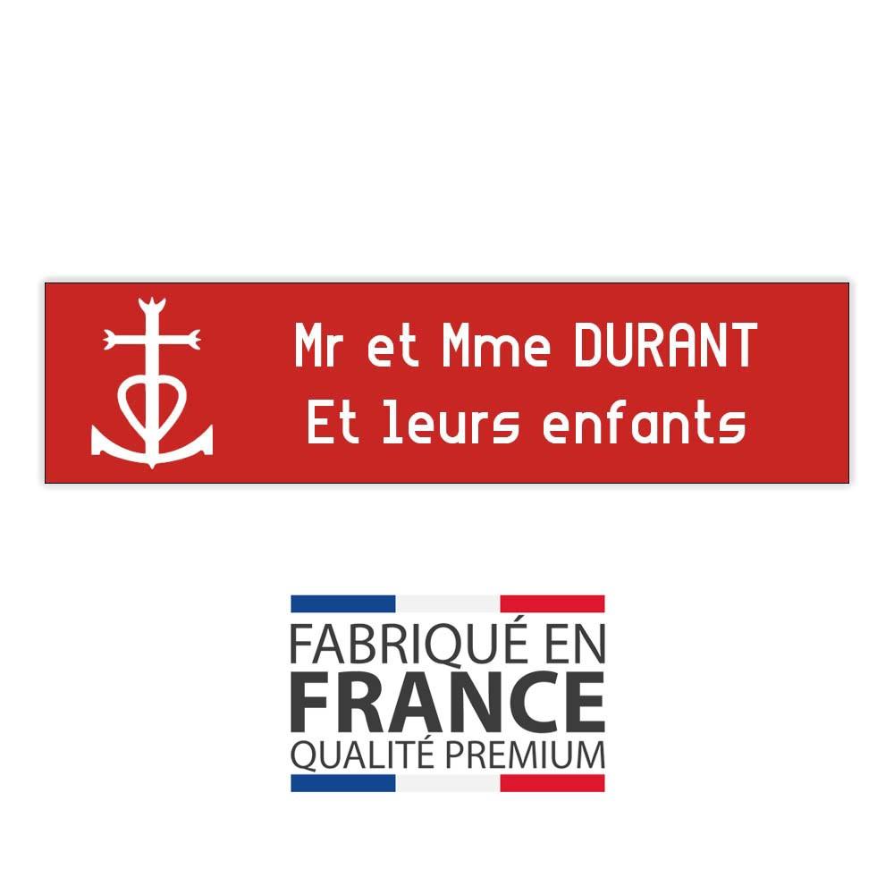Plaque boite aux lettres format Decayeux CROIX CAMARGUAISE (100x25mm) rouge lettres blanches - 2 lignes
