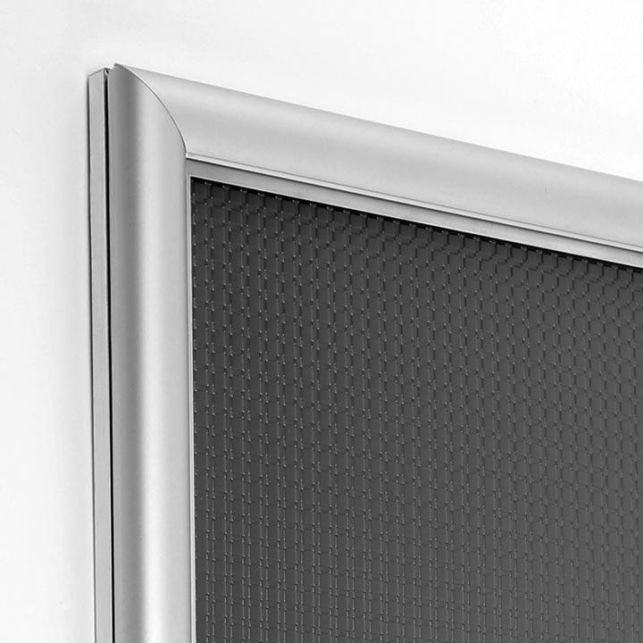 """Affiche """"Geste barrière"""" encadrée - format A3 - cadre aluminium ouverture frontale"""