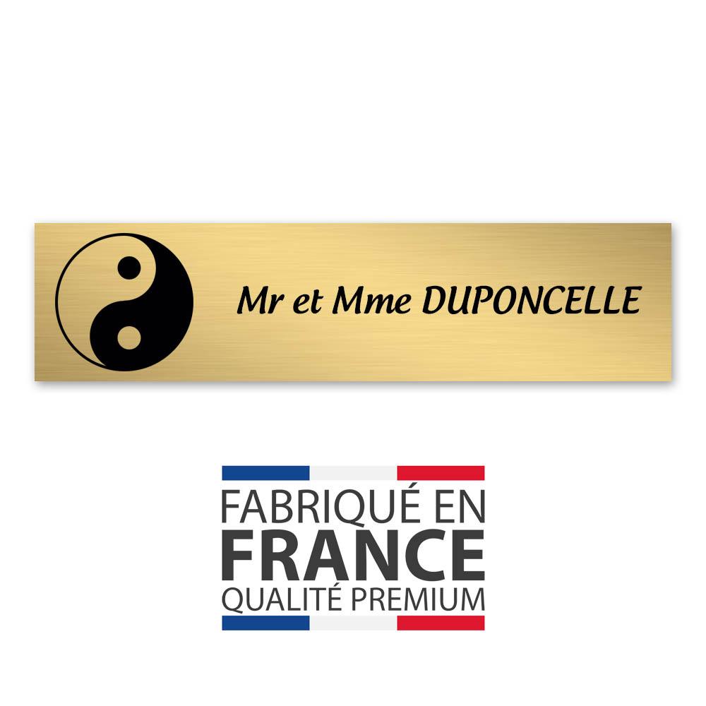Plaque nom 1 ligne et symbole YIN YANG pour boite aux lettres type Decayeux (100x25mm) couleur or brossé