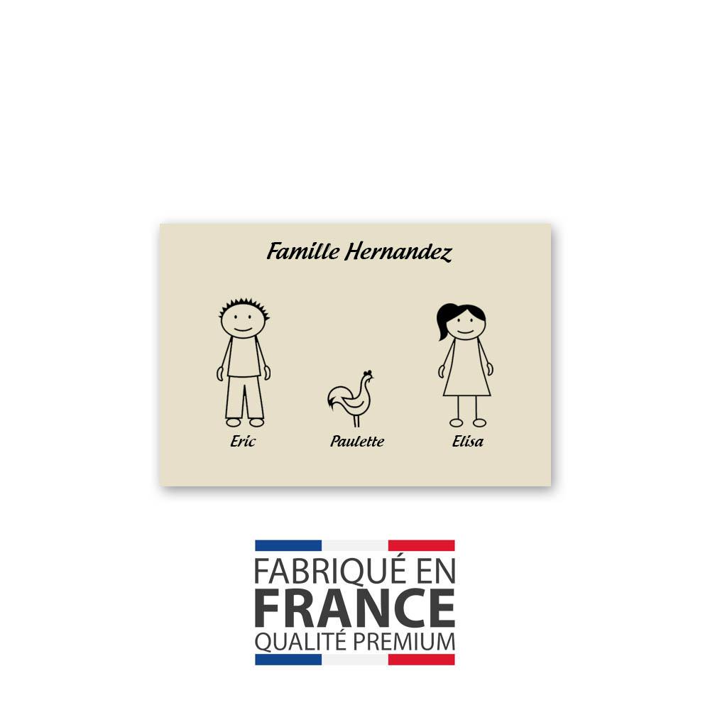 Plaque de maison Family personnalisée avec 3 membres pour boite aux lettres - Format 12x8 cm - Couleur beige