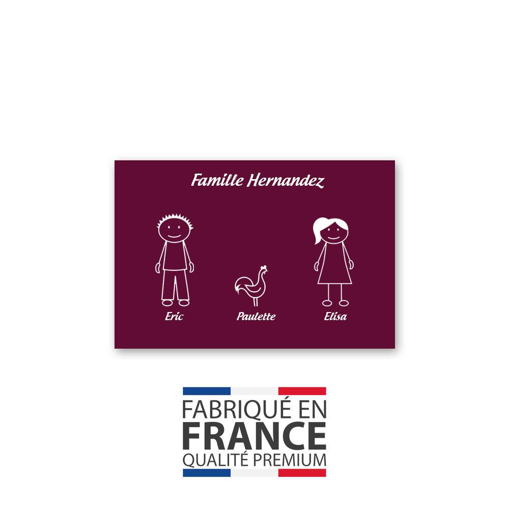 Plaque de maison Family personnalisée avec 3 membres pour boite aux lettres - Format 12x8 cm - Couleur bordeaux