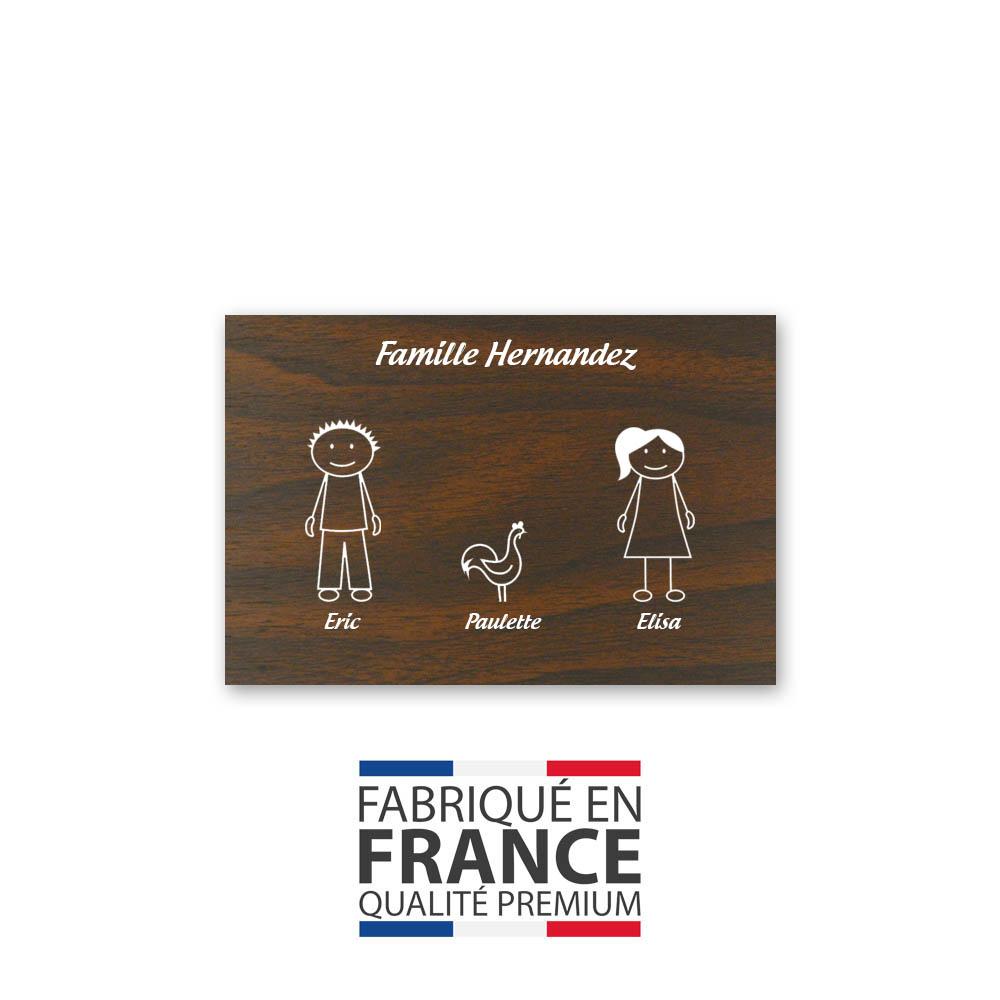 Plaque de maison Family personnalisée avec 3 membres pour boite aux lettres - Format 12x8 cm - Effet bois foncé