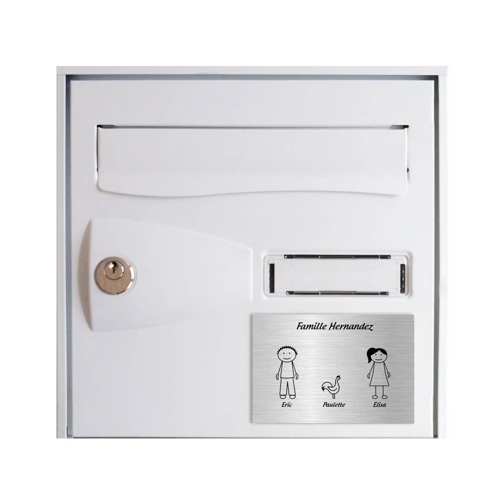 Plaque de maison Family personnalisée avec 3 membres pour boite aux lettres - Format 12x8 cm - Couleur argent
