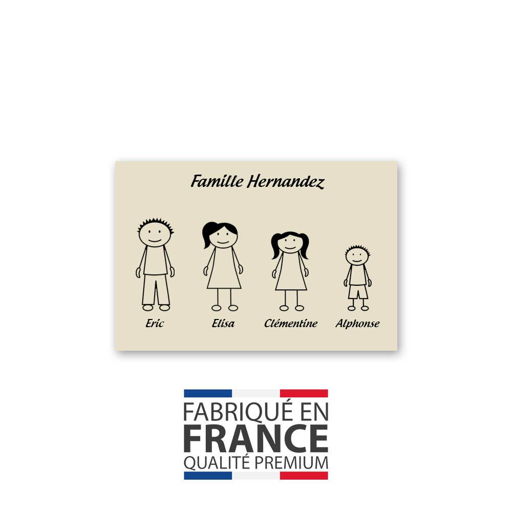 Plaque de maison Family personnalisée avec 4 membres pour boite aux lettres - Format 12x8 cm - Couleur beige
