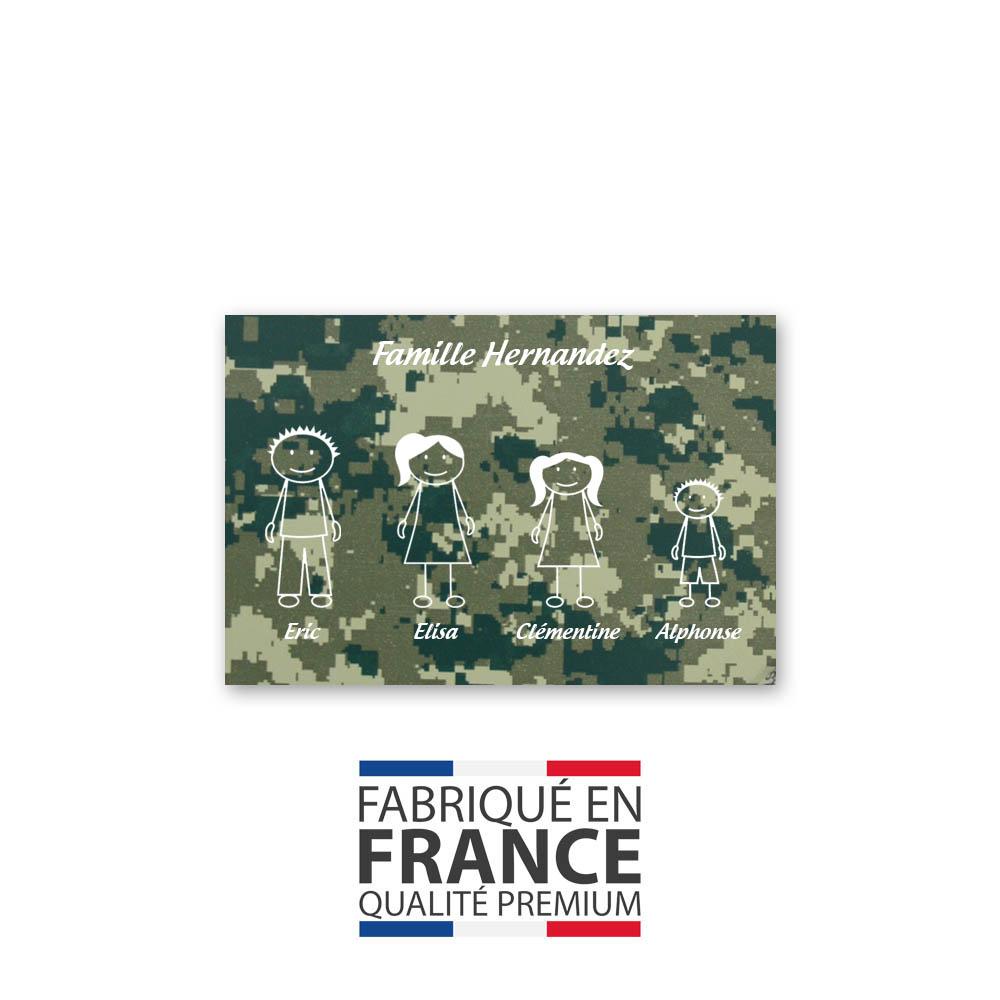 Plaque de maison Family personnalisée avec 4 membres pour boite aux lettres - Format 12x8 cm - Effet camouflage vert