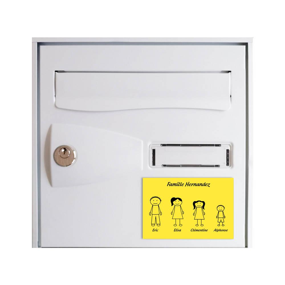 Plaque de maison Family personnalisée avec 4 membres pour boite aux lettres - Format 12x8 cm - Couleur jaune / noire