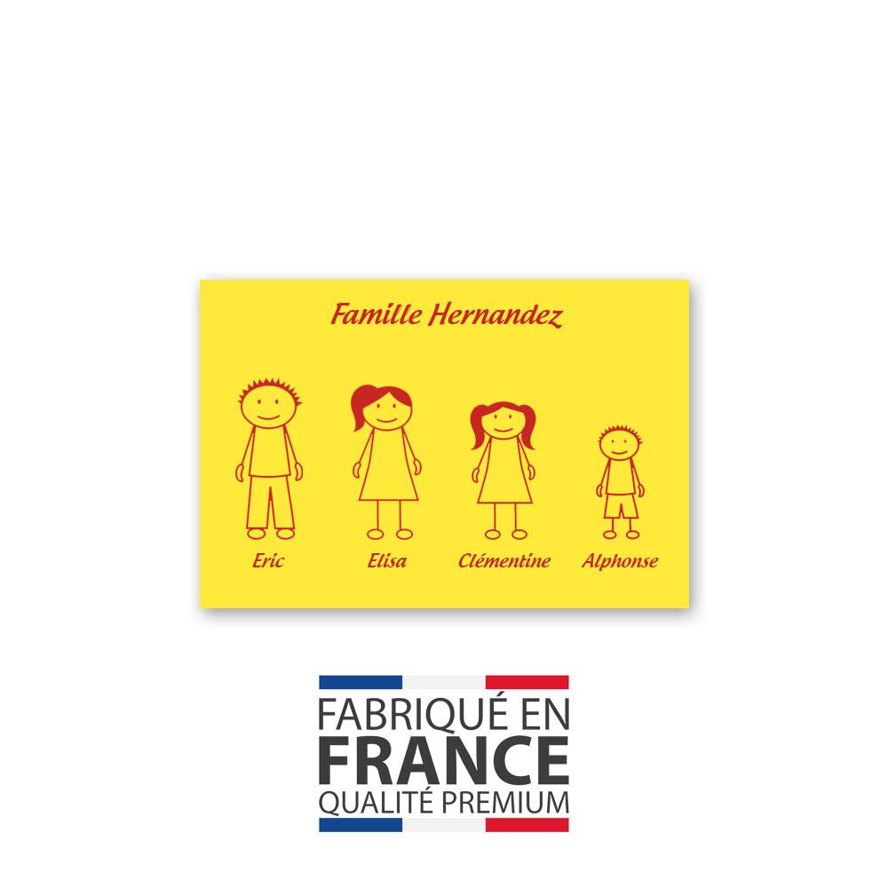 Plaque de maison Family personnalisée avec 4 membres pour boite aux lettres - Format 12x8 cm - Couleur jaune / rouge