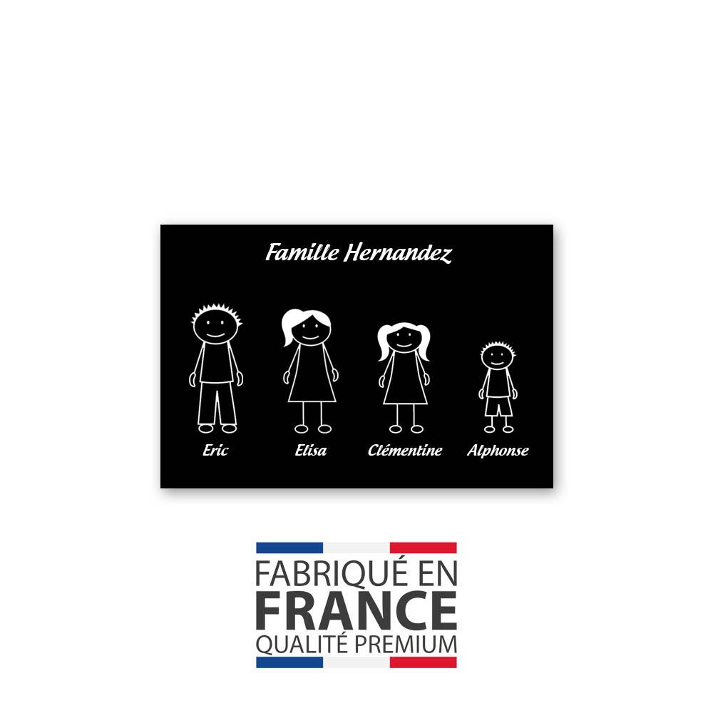 Plaque de maison Family personnalisée avec 4 membres pour boite aux lettres - Format 12x8 cm - Couleur noire