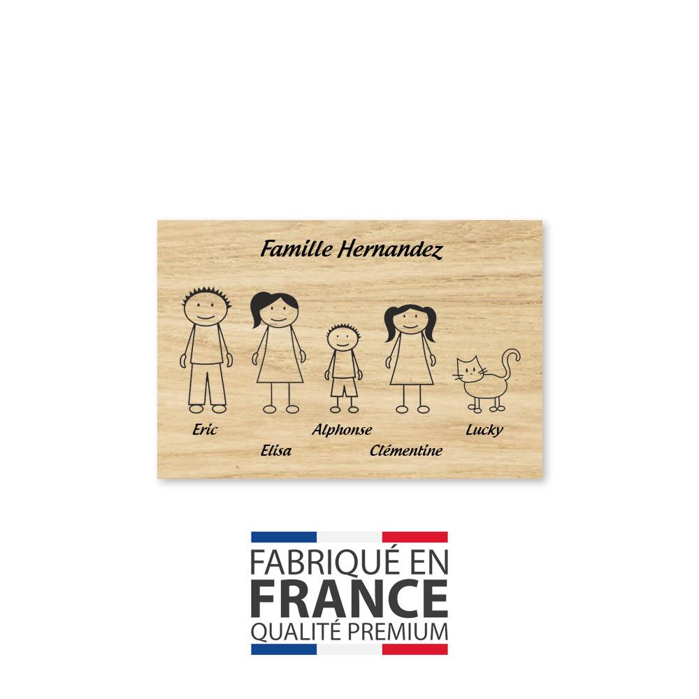 Plaque de maison Family personnalisée avec 5 membres pour boite aux lettres - Format 12x8 cm - Effet bois clair