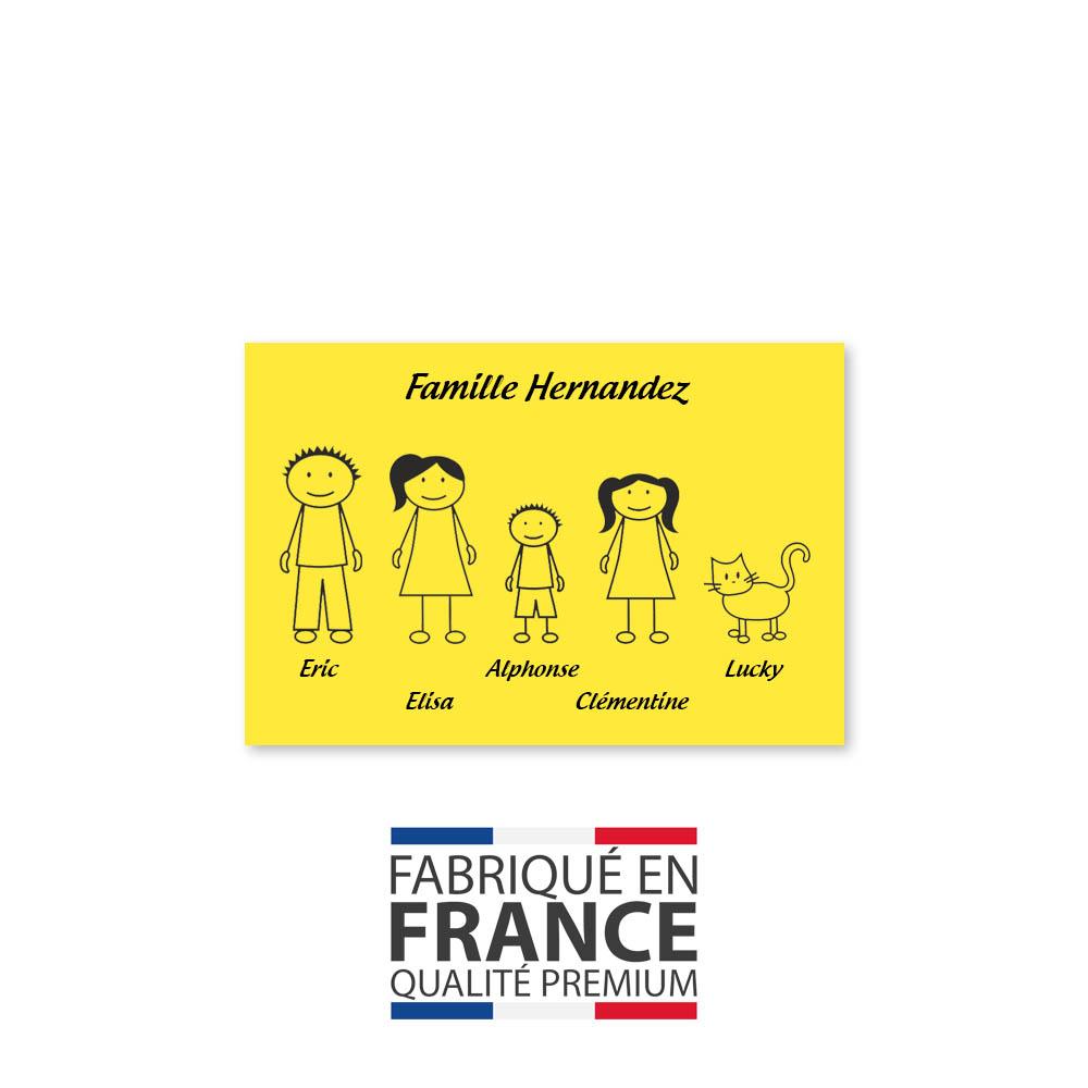 Plaque de maison Family personnalisée avec 5 membres pour boite aux lettres - Format 12x8 cm - Couleur jaune / noire