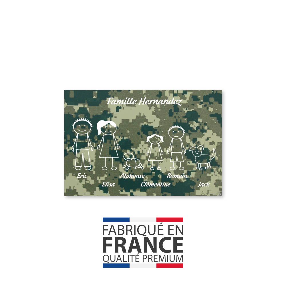 Plaque de maison Family personnalisée avec 6 membres pour boite aux lettres - Format 12x8 cm - Effet camouflage vert