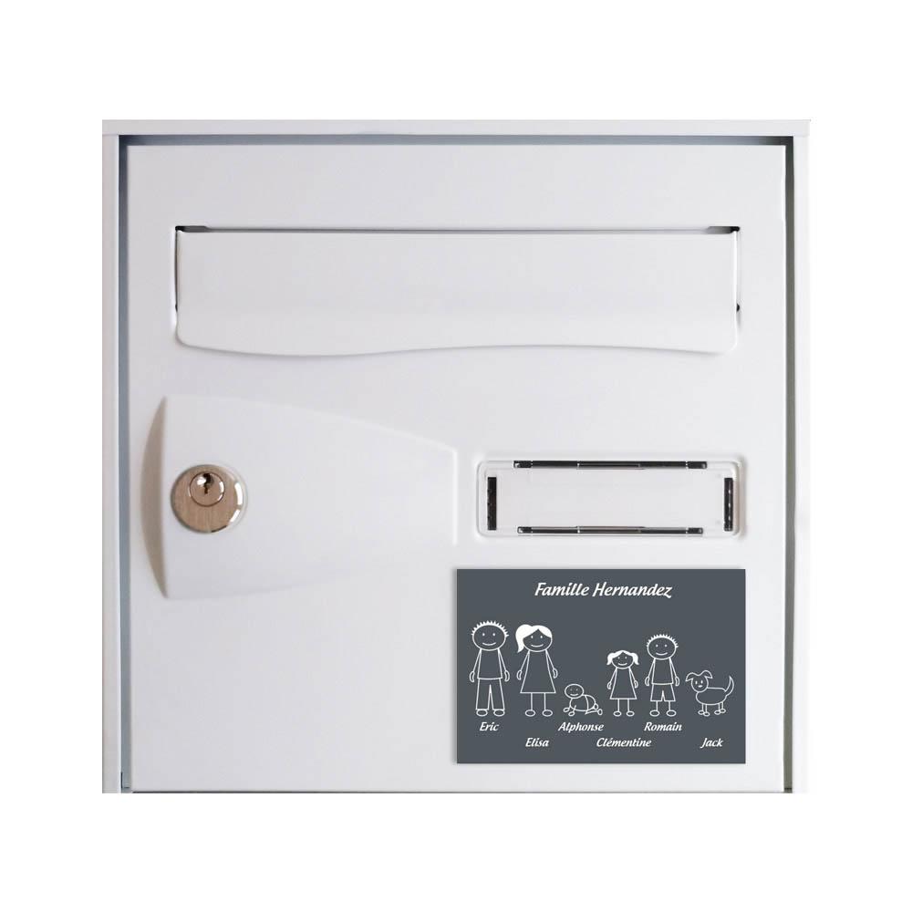 Plaque de maison Family personnalisée avec 6 membres pour boite aux lettres - Format 12x8 cm - Couleur grise