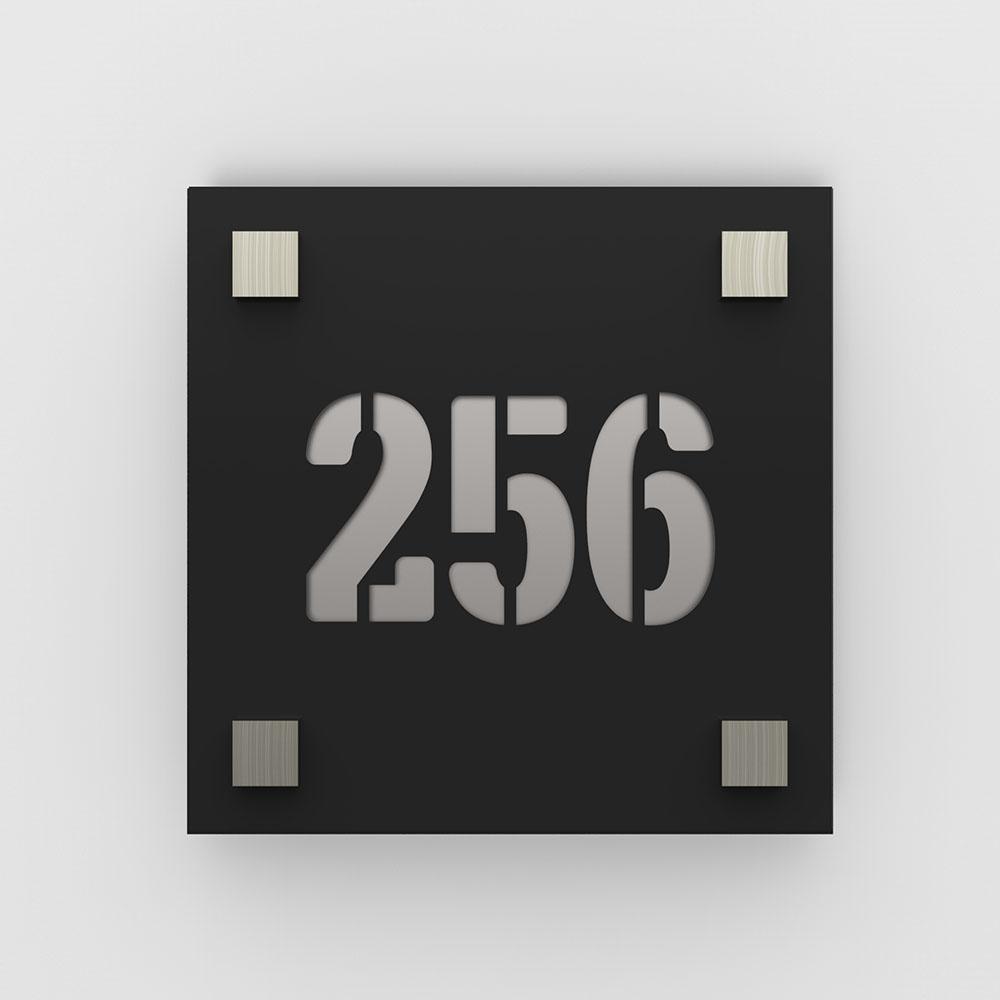 Numéro de rue / maison noir mat avec fond personnalisable - Modèle Square - Numéro carré 20 x 20 cm