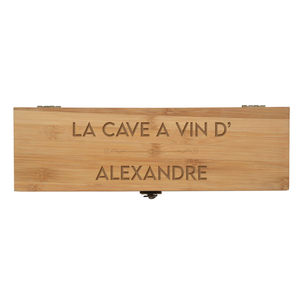 """Coffret à vin en bambou personnalisée avec prénom """"LA CAVE A VIN DE"""" - Caisse vin bambou avec 4 pièces de service"""