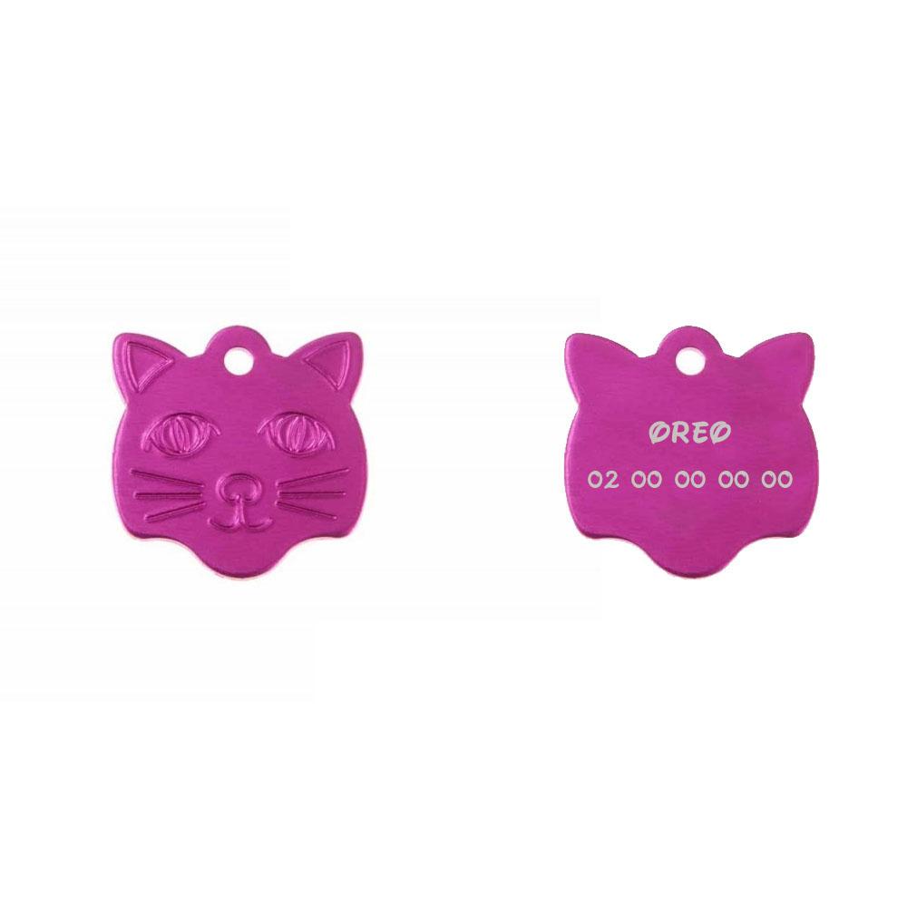 Medaillenanhänger in Form eines Katzenkopfes in blauer Farbe, der auf 1 bis 2 Linien personalisiert werden kann (22 mm x 23 mm)